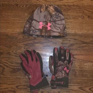 Women's under armour camo hat and gloves